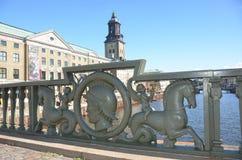 Γέφυρα προς την εκκλησία Στοκ φωτογραφία με δικαίωμα ελεύθερης χρήσης