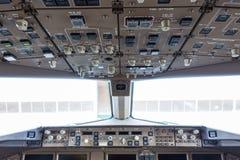Γέφυρα πτήσης στο κανονικό αεροπλάνο Στοκ Εικόνες