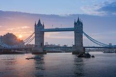 Γέφυρα πύργων στο χρόνο ανατολής, Λονδίνο, Αγγλία Στοκ φωτογραφίες με δικαίωμα ελεύθερης χρήσης