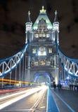 Γέφυρα πύργων τη νύχτα Στοκ Εικόνα