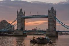 Γέφυρα πύργων το πρωί, Λονδίνο, Αγγλία Στοκ Φωτογραφίες