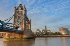 Γέφυρα πύργων το πρωί, Λονδίνο, Αγγλία Στοκ Εικόνες