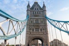 Γέφυρα πύργων το πρωί, Λονδίνο, Αγγλία Στοκ εικόνα με δικαίωμα ελεύθερης χρήσης