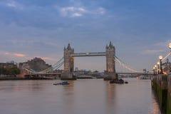Γέφυρα πύργων το πρωί, Λονδίνο, Αγγλία Στοκ εικόνες με δικαίωμα ελεύθερης χρήσης