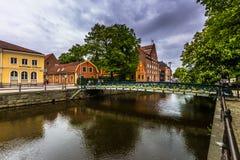 Γέφυρα σε ένα κανάλι της Ουψάλα, Σουηδία Στοκ εικόνα με δικαίωμα ελεύθερης χρήσης