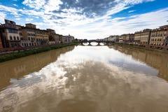 Γέφυρα σε Arno στοκ εικόνα