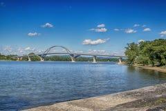Γέφυρα σημείου κορωνών πέρα από τη λίμνη Champlain στοκ φωτογραφίες