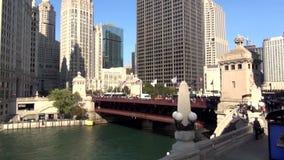 Γέφυρα Σικάγο DuSable στο Μίτσιγκαν Ave - πόλη του Σικάγου απόθεμα βίντεο