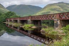 Γέφυρα σιδηροδρόμων που διασχίζει το δέο λιμνών, Argyll και Bute, Σκωτία Στοκ Φωτογραφίες