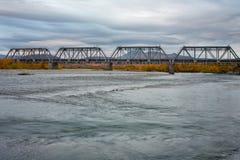 Γέφυρα σιδηροδρόμων που περιβάλλεται από τα τοπία φθινοπώρου Στοκ φωτογραφία με δικαίωμα ελεύθερης χρήσης