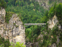 Γέφυρα στα βουνά Στοκ εικόνα με δικαίωμα ελεύθερης χρήσης