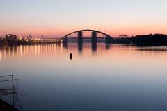 Γέφυρα στην αυγή Στοκ φωτογραφίες με δικαίωμα ελεύθερης χρήσης