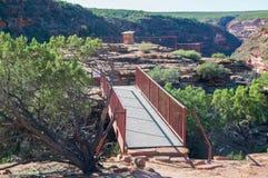 Γέφυρα στην επιφυλακή ζ-κάμψεων στοκ φωτογραφία με δικαίωμα ελεύθερης χρήσης