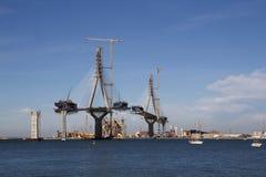Γέφυρα στην κατασκευή, υψηλή τεχνολογία Στοκ εικόνα με δικαίωμα ελεύθερης χρήσης