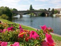 Γέφυρα στην περιοχή του Λονδίνου Στοκ φωτογραφία με δικαίωμα ελεύθερης χρήσης
