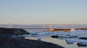 Γέφυρα στη λίμνη παγετώνων Jokulsarlon Στοκ φωτογραφίες με δικαίωμα ελεύθερης χρήσης