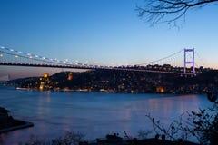 Γέφυρα στη νύχτα Στοκ Φωτογραφίες