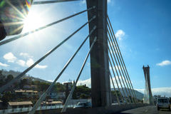 Γέφυρα στον αυτοκινητόδρομο γύρω από το Φουνκάλ στο νησί της Μαδέρας Πορτογαλία Στοκ φωτογραφία με δικαίωμα ελεύθερης χρήσης