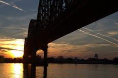 Γέφυρα στο ηλιοβασίλεμα στοκ εικόνες