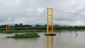 Γέφυρα στο νερό απόθεμα βίντεο