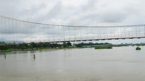 Γέφυρα στο νερό φιλμ μικρού μήκους