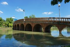 Γέφυρα στο πάρκο Jatujak στοκ εικόνα με δικαίωμα ελεύθερης χρήσης