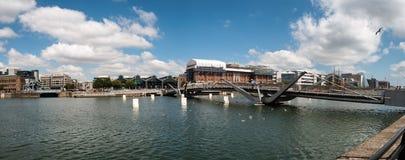 Γέφυρα Σων Ocasey πέρα από τον ποταμό Liffey στο Δουβλίνο Στοκ Εικόνες