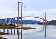 γέφυρα σύγχρονη στοκ εικόνες