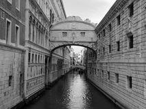 Γέφυρα της Βενετίας doges στεναγμών του παλατιού και του καναλιού Στοκ Εικόνες