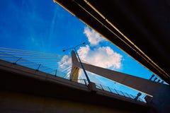 Γέφυρα της Βοστώνης Zakim στο Hill Μασαχουσέτη αποθηκών Στοκ Φωτογραφία