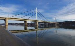 Γέφυρα της ελευθερίας που διασχίζει το Δούναβη στο Νόβι Σαντ, Σερβία Στοκ φωτογραφίες με δικαίωμα ελεύθερης χρήσης