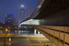 Γέφυρα της Μπρατισλάβα στην αυγή στοκ φωτογραφίες με δικαίωμα ελεύθερης χρήσης