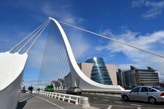 Γέφυρα του Δουβλίνο-Samuel Beckett & κέντρο Συνθηκών Στοκ Εικόνες
