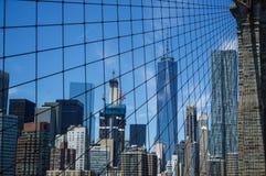 Γέφυρα του Μπρούκλιν, ένα World Trade Center και οικονομική περιοχή: Καλοκαίρι στο Μανχάταν Στοκ Εικόνα