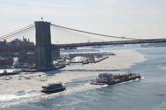 Γέφυρα του Μπρούκλιν και ορίζοντας του Μανχάταν το χειμώνα, NYC Στοκ Εικόνα