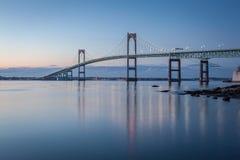 Γέφυρα του Νιούπορτ στο λυκόφως Στοκ Φωτογραφίες