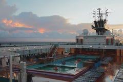 Γέφυρα του σκάφους της γραμμής κρουαζιέρας και της αυγής, καραϊβική θάλασσα Στοκ εικόνες με δικαίωμα ελεύθερης χρήσης