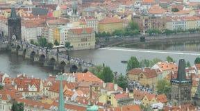 Γέφυρα του Charles από τον καθεδρικό ναό του ST Vitus, Πράγα, Τσεχία Στοκ Εικόνες