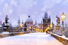 Γέφυρα του Charles, παλαιός πύργος πόλης γεφυρών, Πράγα (ΟΥΝΕΣΚΟ), τσεχικό ρ Στοκ εικόνα με δικαίωμα ελεύθερης χρήσης