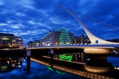 Γέφυρα του Samuel Beckett στο Δουβλίνο τη νύχτα Στοκ Εικόνες