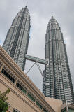 Γέφυρα των διάσημων δίδυμων πύργων - Petronas Στοκ φωτογραφία με δικαίωμα ελεύθερης χρήσης