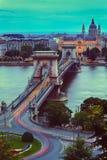 Γέφυρα & φω'τα αλυσίδων στοκ εικόνες