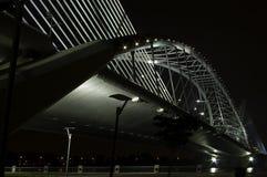 Γέφυρα χάλυβα αναστολής νύχτας Στοκ φωτογραφία με δικαίωμα ελεύθερης χρήσης
