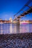 Γέφυρα χιλιετίας του Λονδίνου Στοκ Φωτογραφία
