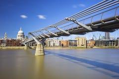 Γέφυρα χιλιετίας Στοκ εικόνα με δικαίωμα ελεύθερης χρήσης