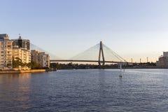 Γέφυρα Anzac στο ηλιοβασίλεμα στο Σίδνεϊ Αυστραλία που βλέπει από Pyrmont Στοκ Φωτογραφίες