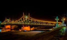 Γέφυρα Arad, νυχτερινή φωτογραφία Traian της Ρουμανίας Στοκ Φωτογραφία