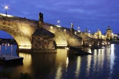Γέφυρα Charles στο λυκόφως Στοκ Φωτογραφία