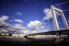 Γέφυρα Erzsebet Στοκ φωτογραφία με δικαίωμα ελεύθερης χρήσης