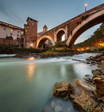 Γέφυρα Fabricius και νησί Tiber στο λυκόφως, Ρώμη, Ιταλία Στοκ Εικόνες